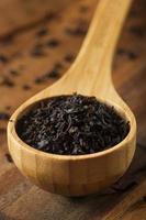 tè nero secco a foglie sciolte