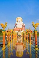 grande buddha cinese su koh samui foto