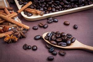 caffè su sfondo di legno grunge foto