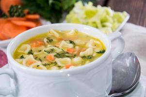 porzione di minestra di pasta foto