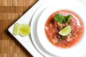 serie di cibo ecuadoriano: ceviche di gamberi foto