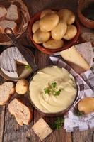 aligot, fonduta di formaggio foto