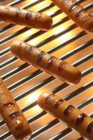 salsiccia alla griglia, hot dog foto