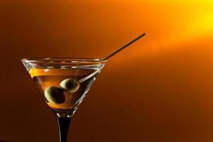 bicchiere con martini foto