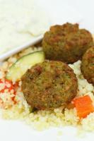 falafel con couscous foto