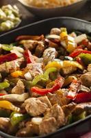 fajitas di pollo fatti in casa con verdure foto