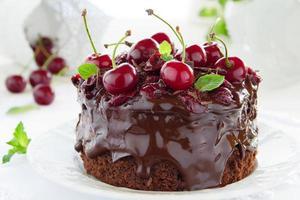 Torta Al Cioccolato Con Ciliegie foto