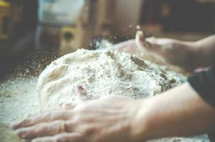 cucinare il pane foto