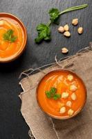 zuppa di carote con ceci foto