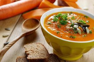 zuppa di zucca rustica fatta in casa foto