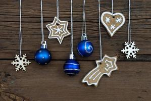 decorazioni natalizie su legno foto