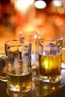ghiaccio pinte di birra fredda foto