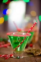 cocktail verde smeraldo di Natale foto