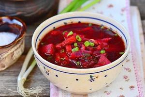 zuppa di pesce di barbabietola foto