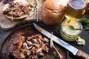 sandwich di maiale tirato arrosto lento foto
