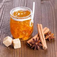marmellata di arance con cannella, anice stellato e shugar marrone