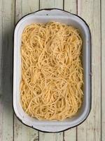 spaghetti pasta noodle foto