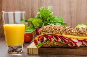 baguette integrale con groppa affumicata foto