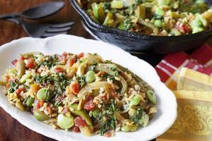 friggere la paella di verdure foto