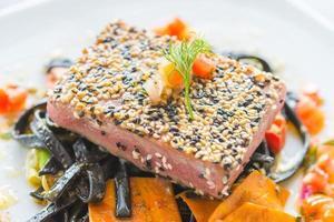 bistecca di tonno foto