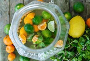 limonata agli agrumi foto
