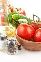impostazione pasta con pomodoro e aglio foto