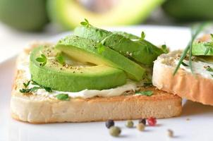 toast con avocado foto