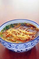 spaghetti cinesi di lanzhou foto