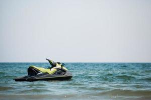 jet ski in acqua foto