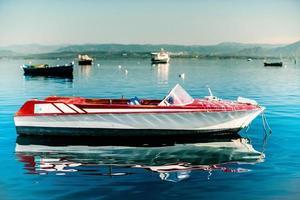 barca solitaria foto