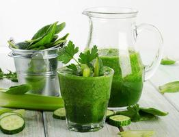 frullato verde sano foto
