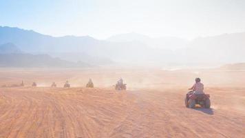 safari in moto in Egitto foto