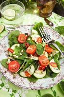 insalata di primavera fresca sana foto