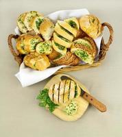 pane all'aglio ed alle erbe foto