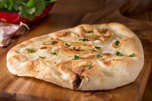 pane naan all'aglio foto