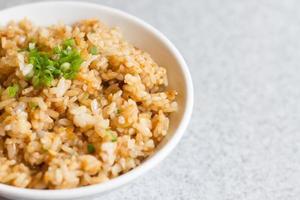 riso fritto all'aglio foto