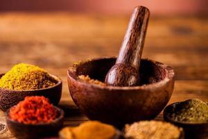 condimento asiatico, tema orientale con spezie foto