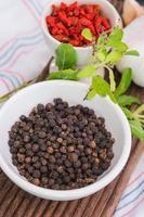 aglio, bacche di goji e peperoni