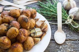 piccola patata al forno foto