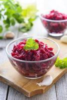 insalata di barbabietole con aglio foto