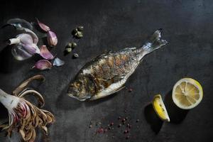 orata, pesce grigliato foto