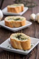 porzione di pane all'aglio