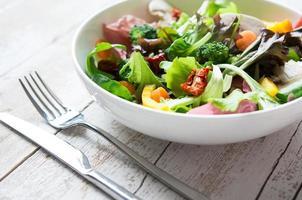 insalata fresca e sana foto