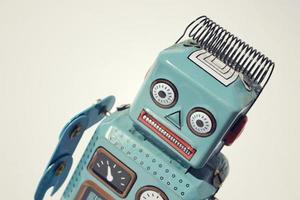 robot giocattolo di latta vintage