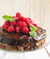 torta al cioccolato con lamponi foto