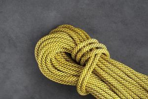 corda dinamica per arrampicata su roccia foto