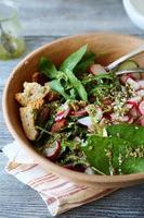 insalata con verdure e verdure fresche foto