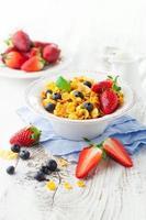 cornflakes con frutti di bosco foto
