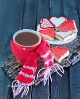 biscotti e cacao in tazza foto