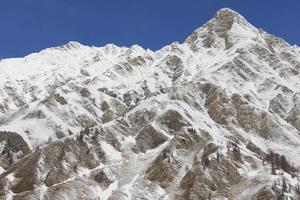 montagne spolverate di neve, samnaun foto